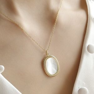 Golden Vintage White Shell Necklace